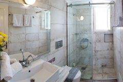 Kastro Hotel Spetses Studio Bathroom